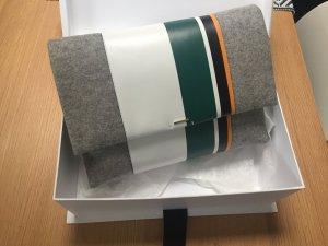 Hugo Boss Clutch Kalbsleder Wolle unbenutzt