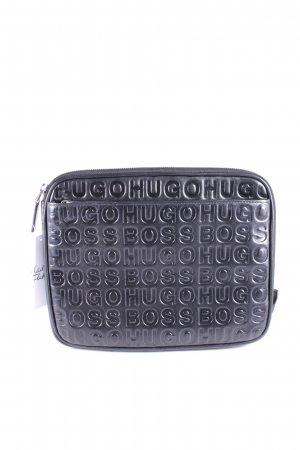 Hugo Boss Clutch schwarz Street-Fashion-Look