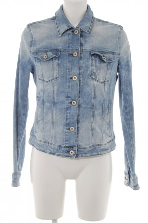 Hugo Boss Jeansjacke hellblau Street-Fashion-Look