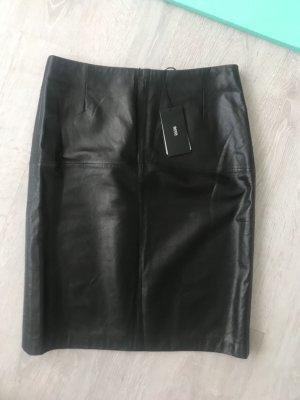 Hugo Boss Falda de cuero negro