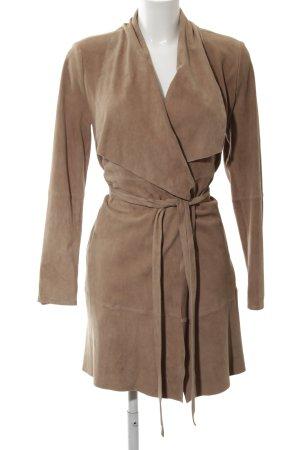 Hugo Boss Abrigo de cuero marrón elegante
