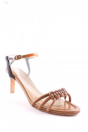 Hugo Boss Strapped High-Heeled Sandals light brown casual look