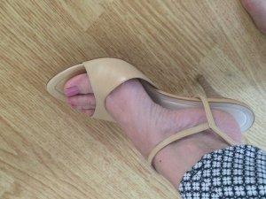 Hugo Boss Sandalen in nude-beige 38