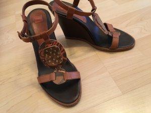 Hugo Boss Sandalen mit Keilabsatz
