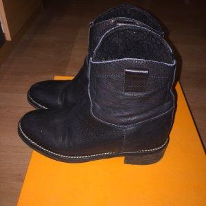 Hugo Boss schwarze Lederstiefel Größe 38