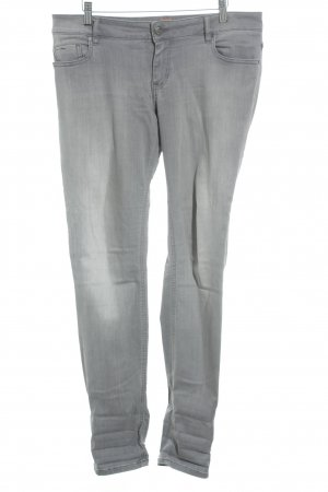 Hugo Boss Slim Jeans grau Street-Fashion-Look