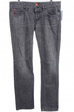 Hugo Boss Straight-Leg Jeans grau Street-Fashion-Look