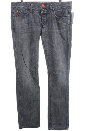 Hugo Boss Straight-Leg Jeans grau Street-Fashion-Look