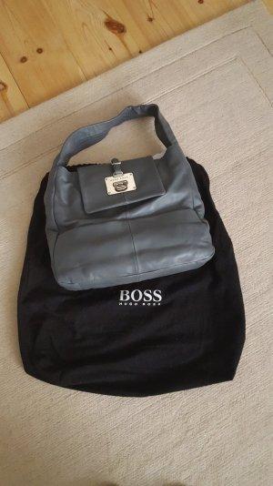 Hugo Boss Tasche aus Leder in grau unbenutzt