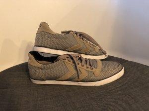 Hummel Sneaker in grüngrau/ocker in Größe 40