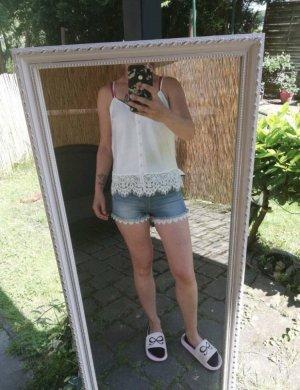 Hunkemöller Shorts & Shirts