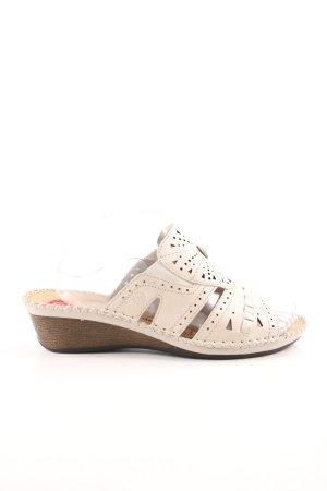 Hush Puppies Comfort Sandals cream casual look