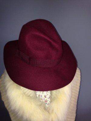 Vilten hoed karmijn