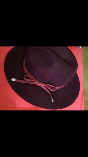 Sombrero de ala ancha burdeos-carmín