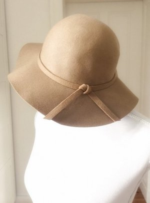 Hat sand brown-beige wool