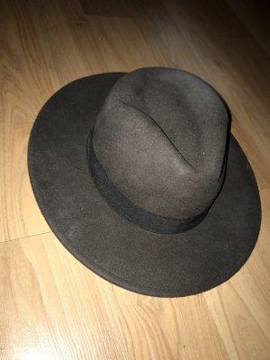 Cappello grigio scuro-nero
