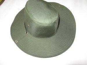 Chapeau de cow-boy vert foncé
