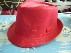 Hat red
