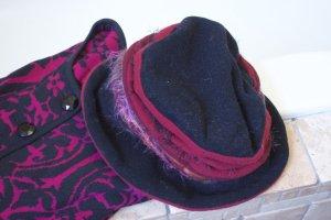 Hut, Kappe aus weichem Filz, Fleece, mit Applikatonen in schwarz, bordeauxrot, kleine Krempe, gefüttert, bester Zustand, Gr. 56