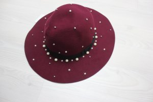 Hat white-bordeaux