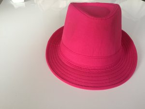 Hat raspberry-red polyester