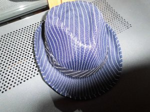 Felt Hat blue-white synthetic material