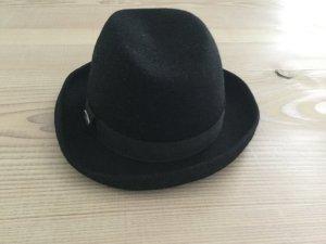 Hut von EDC Esprit in schwarz mit Band und silber EDC Schild