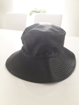 Hermès Hat black leather