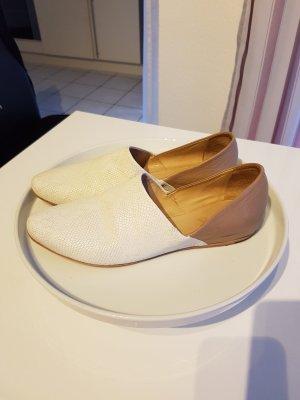 Slippers cream-beige leather