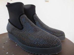 Botas deslizantes negro-color plata tejido mezclado