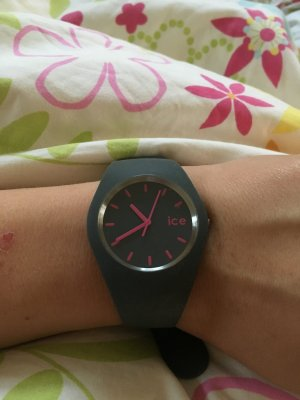 ICE watch grau mit pinken Ziffern