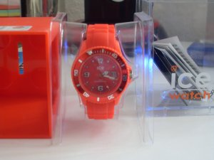 ice watch in Rot mit Original Box