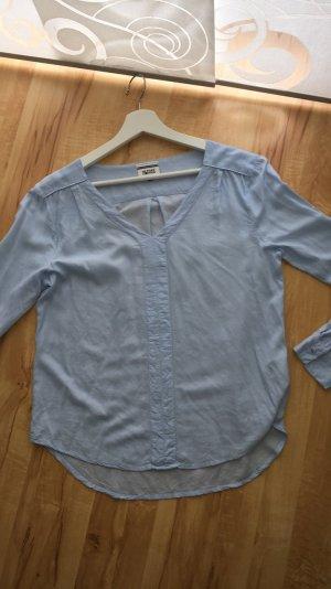 Ich verkaufe eine wunderschöne Tommy Hilfiger Bluse in hellblau in der Größe S
