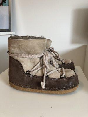 IKKII Boots, Lammfellstiefel