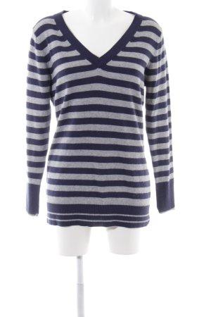 In Linea Jersey con cuello de pico azul-gris claro estampado a rayas look casual