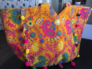 Tote multicolored