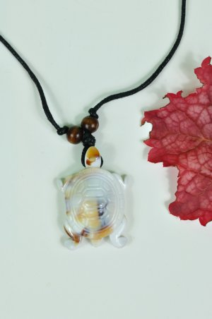 Necklace white-brown