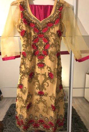 Robe avec jupon rouge fluo-brun sable