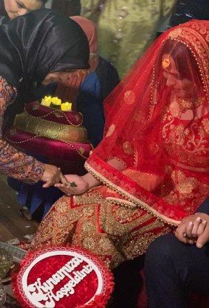 Robe de mariée doré-rouge
