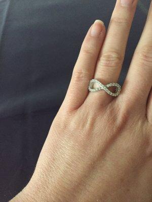 Infinity Ring mit Strasssteinchen