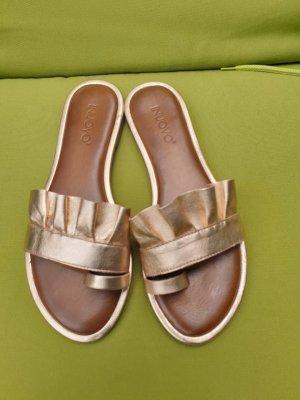 INUOVO Goldener Leder Sandaletten