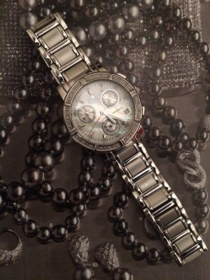 INVICTA Diamond Watch/ Chronograph