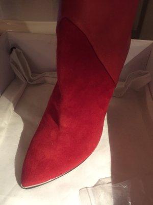 iRO Rote Stiefelette aus feinstem Leder