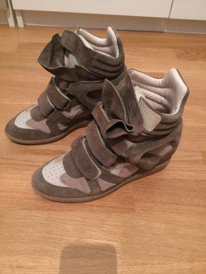 Isabell Marant Étoile Bekett Sneaker Suede Taupe