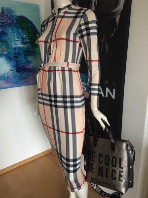 Ital Boutique Altamira Milano mit Etikette Small ähnlich burberry nie getragen