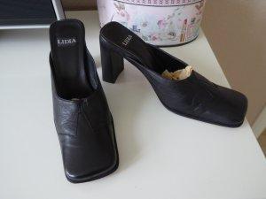 Italienische Lederpantoletten der Marke LIDIA