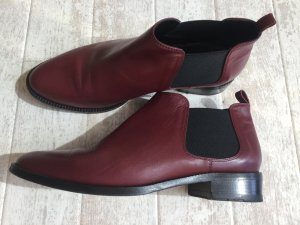 Botte courte bordeau-rouge carmin cuir