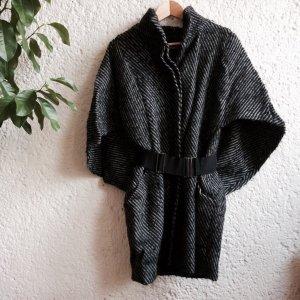 Italienischer Mantel mit Fledermausärmeln