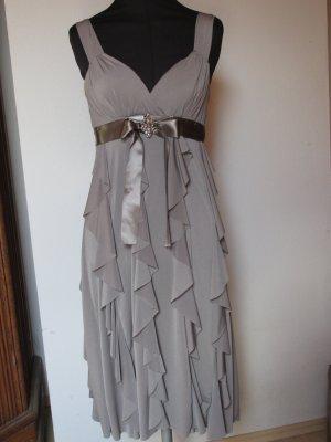 Italienisches Sommerkleid mit Volants
