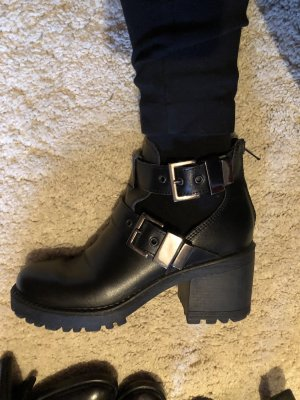 Bata Low boot noir